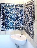 Blau-weiß Gästebad