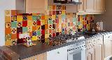 Küche mit rot und bunt