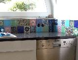 Küche mit zweireihigem Fliesenspiegel