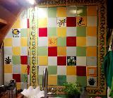 Fliesenspiegel in kleiner Küchennische